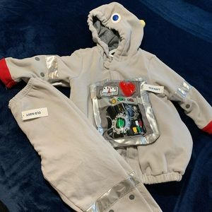 Old Navy Costumes - Size 5 Robot costume